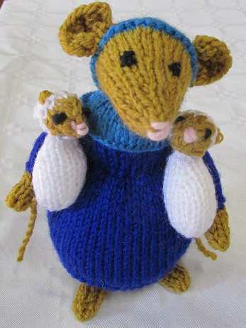 A mouse soft toy