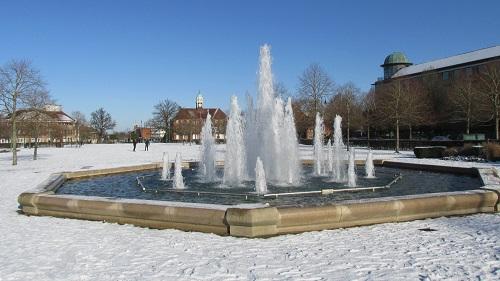 Snowy Broadway Gardens